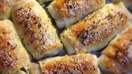 Peynirli Ev Böreği